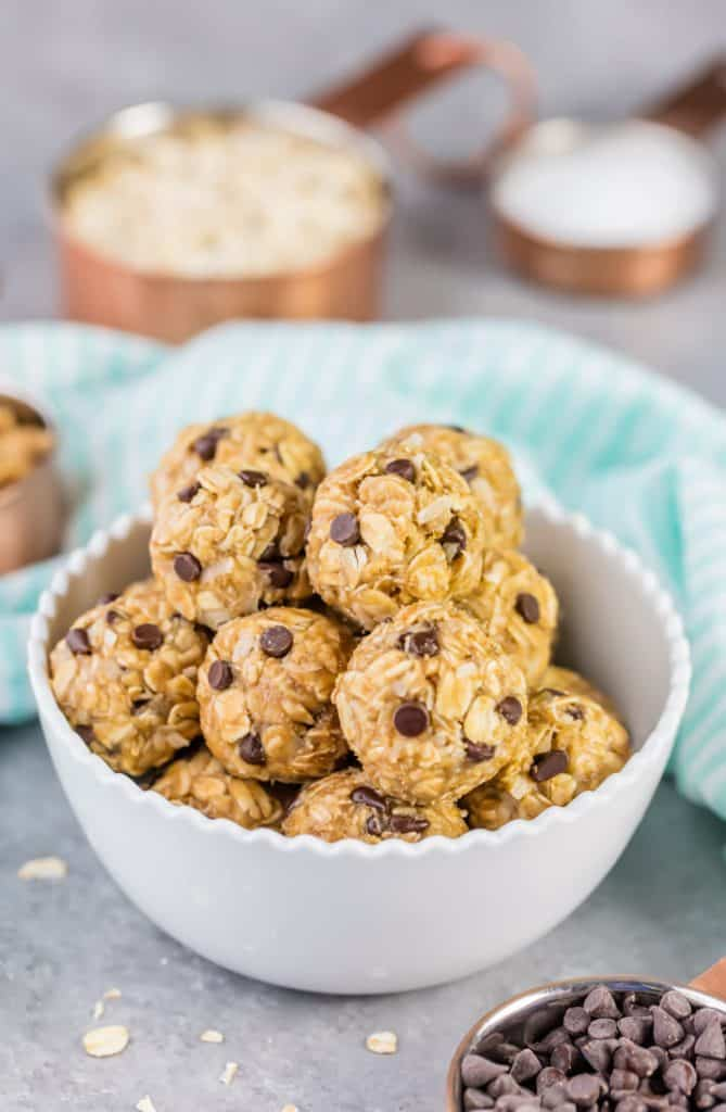 Round peanut butter banana energy bites with chocolate chips in a bowl