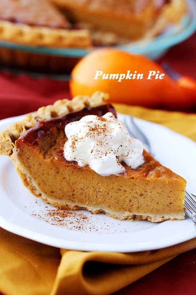 This easy pumpkin recipe is perfect for Thanksgiving dessert! A rich & creamy pumpkin pie recipe that's healthier than the traditional version and so GOOD! #pumpkinpie #pumpkindessert #thanksgivingdessert