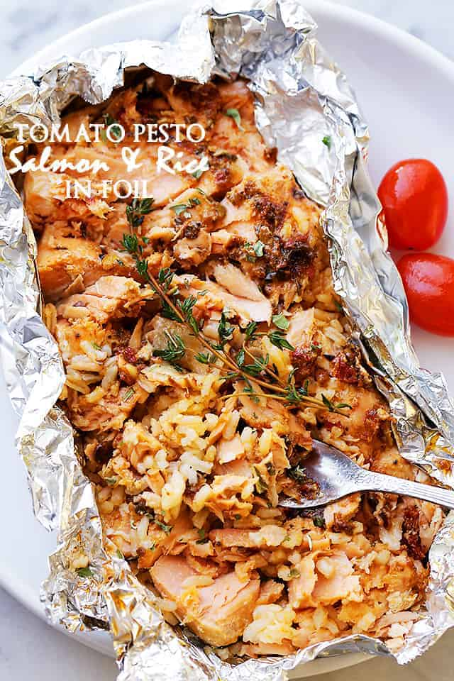 Tomato Pesto Salmon Amp Rice Recipe Baked In Foil Easy Salmon Recipes