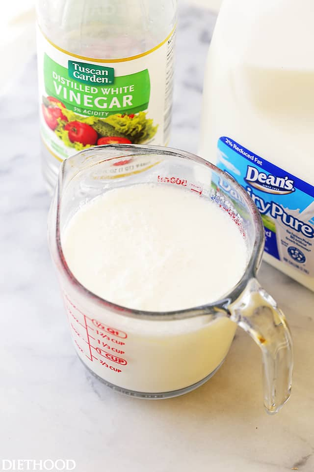 How to make Buttermilk with just 2 ingredients: Milk and White Vinegar.
