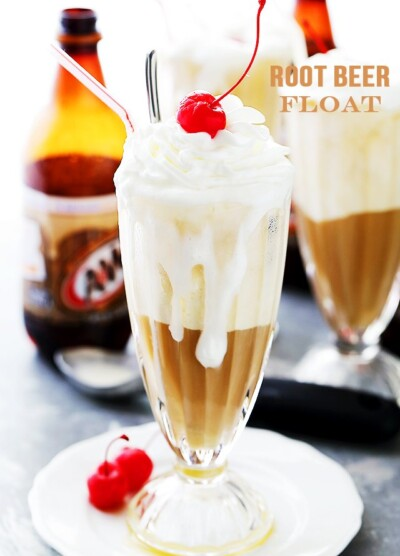 Root Beer Float - Consisting of root beer and vanilla frozen yogurt, this American Summer classic is easy to make and creates an amazing mix of flavors!