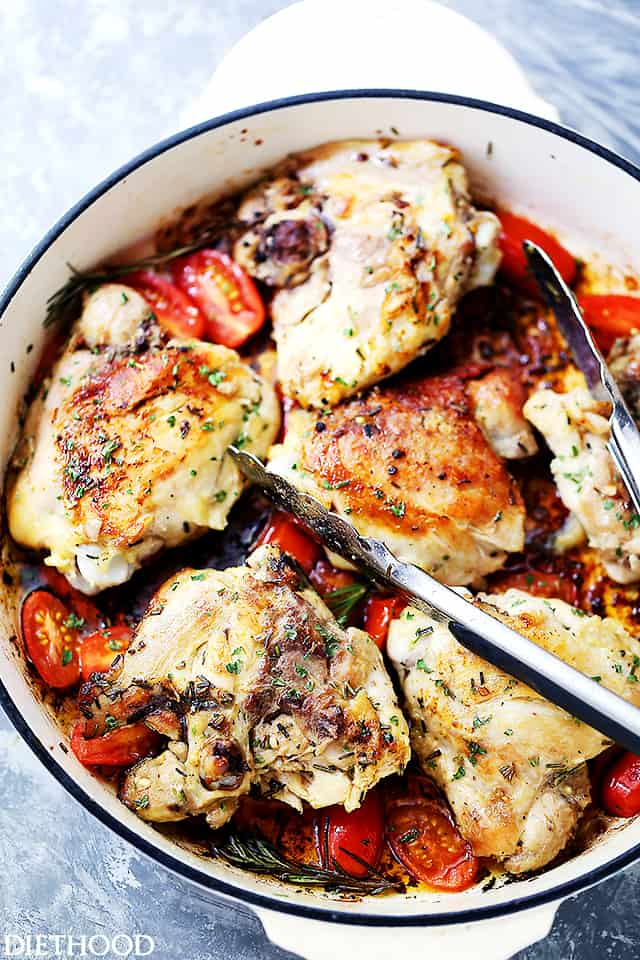 Skillet Garlic and Rosemary Chicken Thighs - Easy and quick one-pot meal with delicious and garlicky chicken thighs that are ready in under 30 minutes, making it a perfect dinner for a busy weeknight.