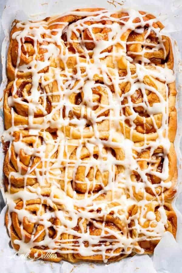 Apple-Pie-Cinnamon-Rolls-Cafe-Delites