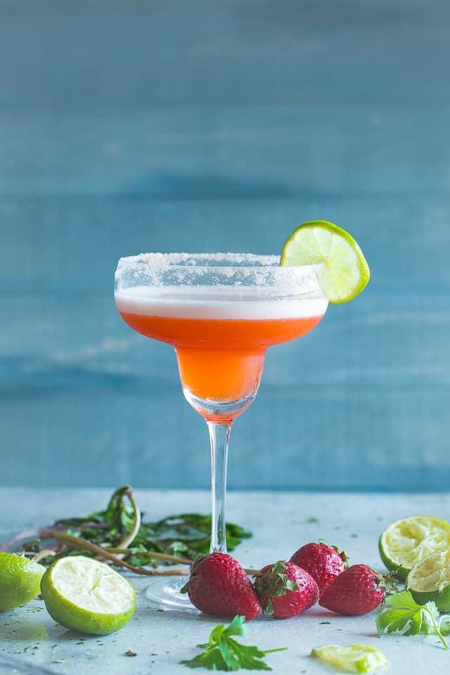 strawberry margaritas, summer drinks