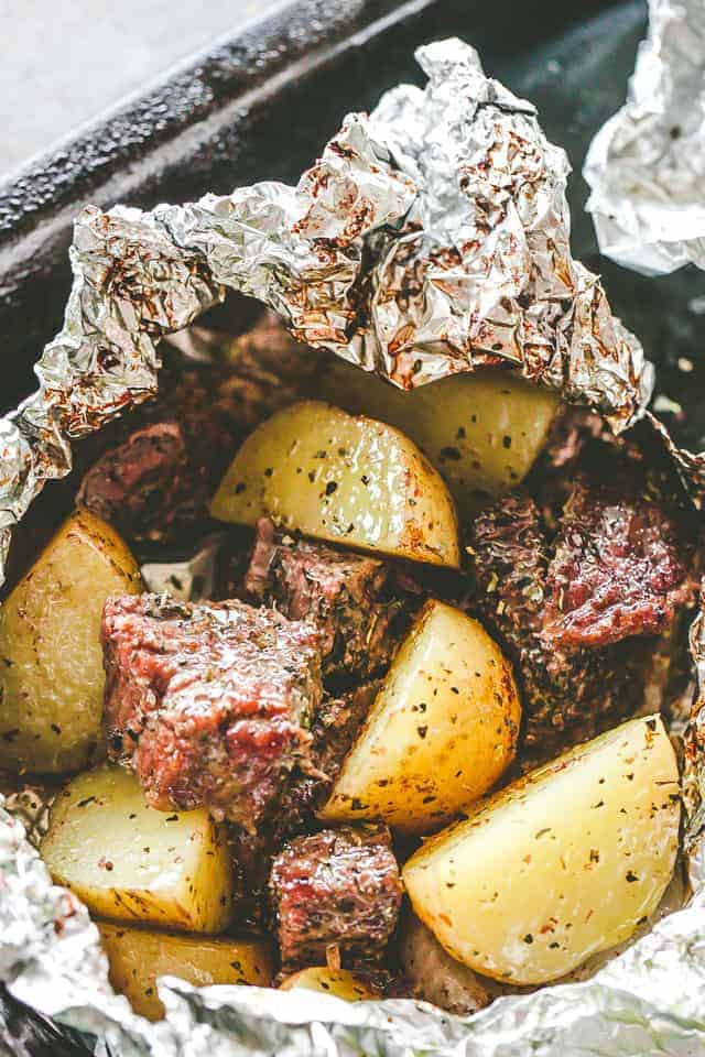 Garlic Herb Steak And Potato Foil Packs Easy Foil Packet Dinner Idea