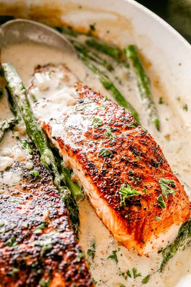 Salmon Fillet in Cream Sauce with Asparagus.