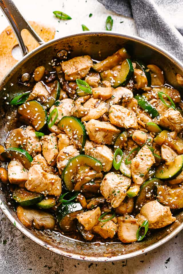 Skillet stir fry with chicken, mushrooms, and zucchini.