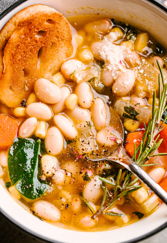 White Bean Soup with Bread
