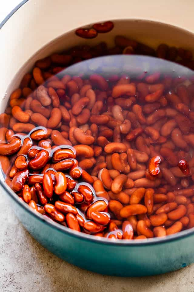 soaking red beans in a pot